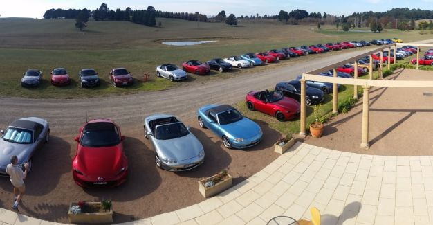 MX-5s assembled at Southern Highland Wines for the annual charity lunch on 17 May 2016